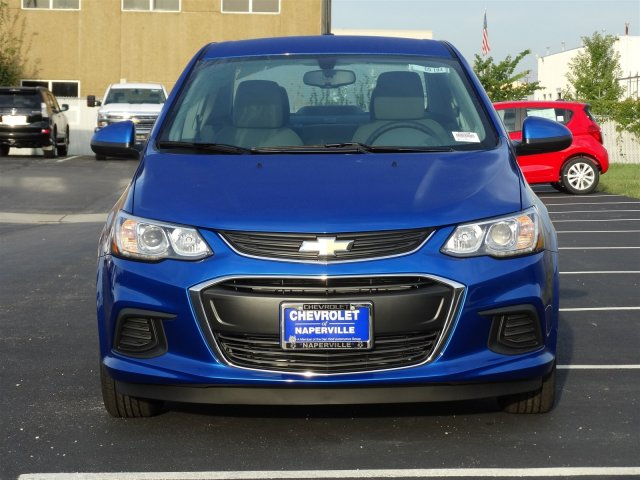 new 2017 chevrolet sonic ls 4 dr 2 yrs free maintenance. Black Bedroom Furniture Sets. Home Design Ideas
