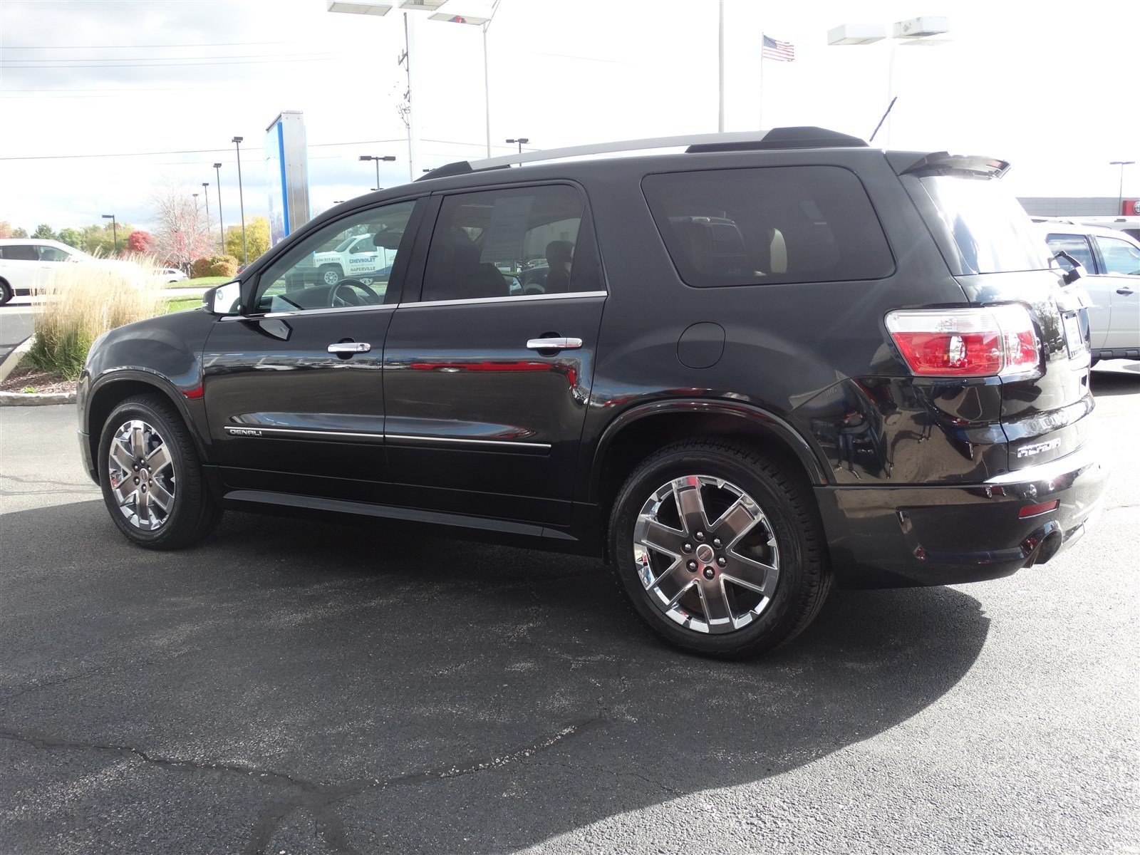 pre owned 2012 gmc acadia denali sport utility in naperville p6570a chevrolet of naperville. Black Bedroom Furniture Sets. Home Design Ideas